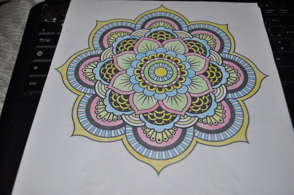 mandalas crayons de couleurs Mandal12