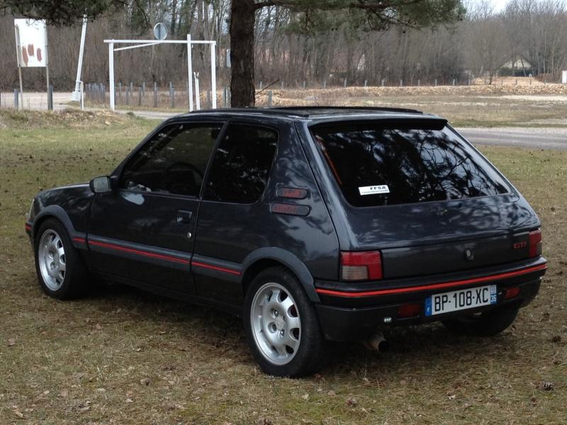 [Alex52] 205 GTI 1.6L Gris Graphite 1985 Img_2132