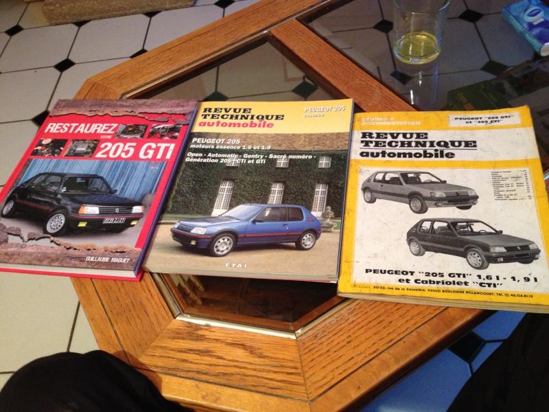 [Alex52] 205 GTI 1.6L Gris Graphite 1985 - Page 3 Img_2229