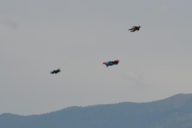 Après les lanternes thaïlandaises, les drones. Dsc_0910