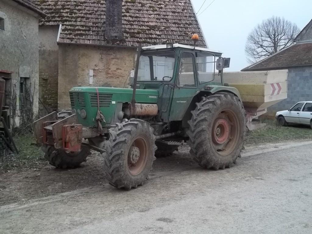 Photos de vos tracteurs - Page 6 100_1812