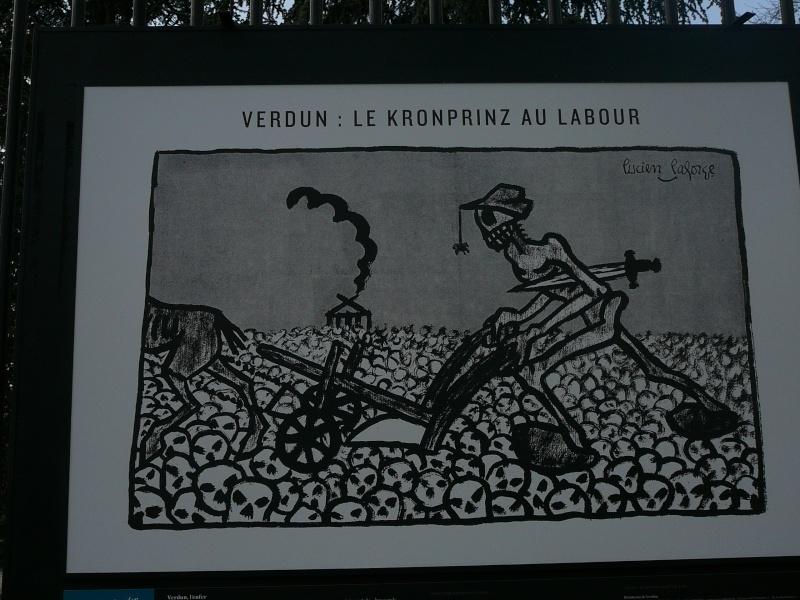 un siècle de caricatures sur les grilles du jardin du Luxembourg P1110711