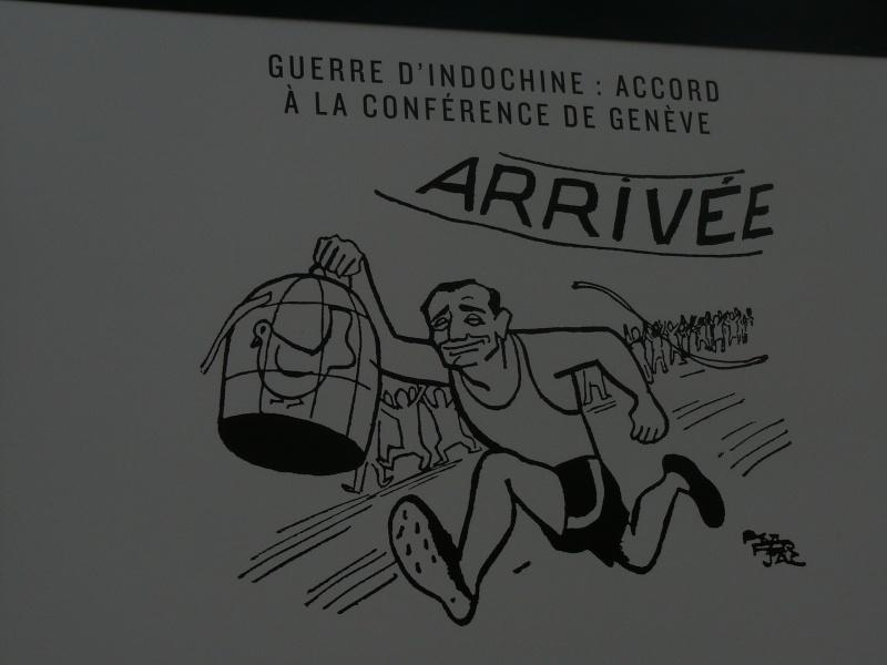 un siècle de caricatures sur les grilles du jardin du Luxembourg P1110815