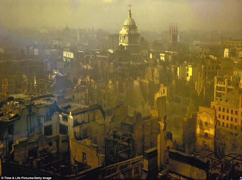 World War 2 London Blitz London11