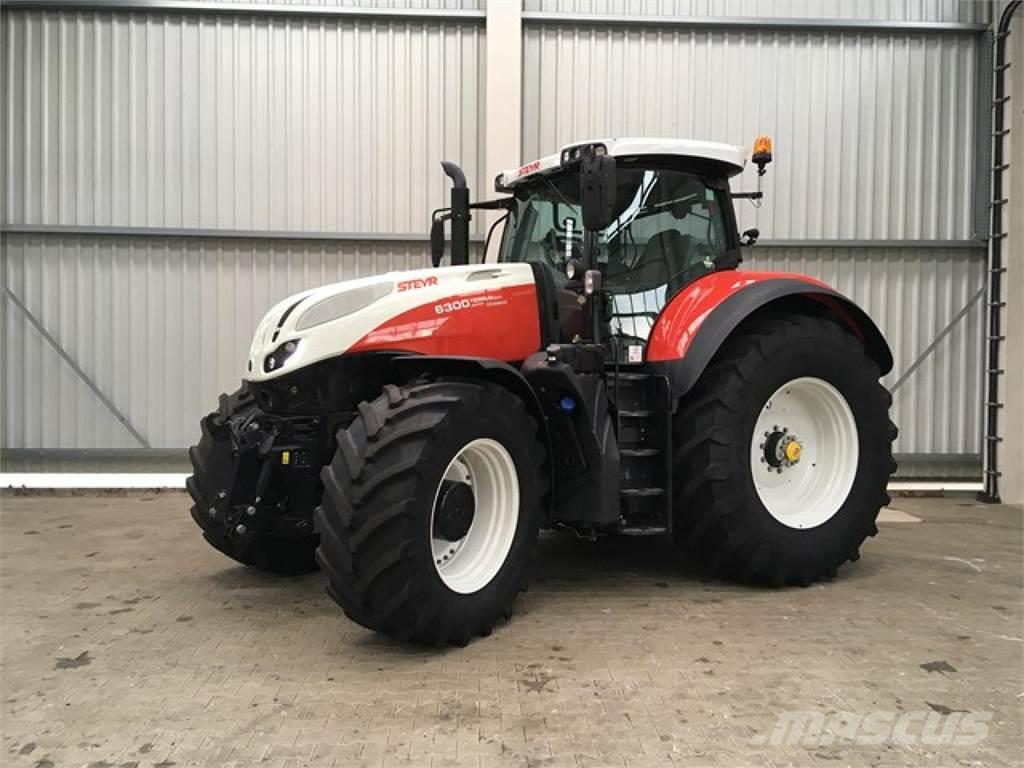 Le Case IH Optum 300 CVX élu tracteur de l'année 2017  - Page 2 Steyr-10