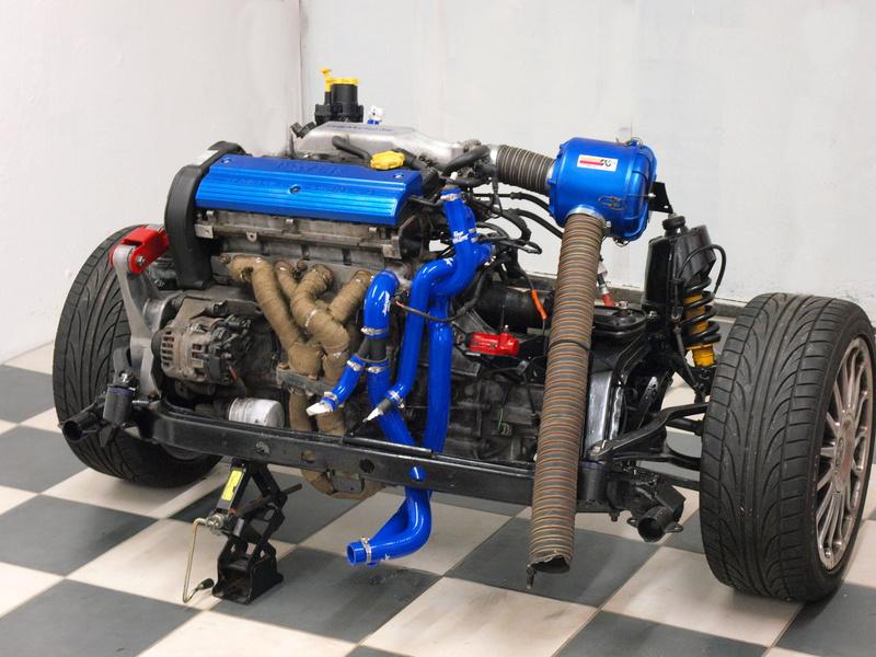 Nos 2 Dodge Caliber , diesel et essence - Page 14 Moteur10