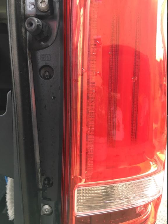 Tuto pour augmenter la luminosité des feux de recul sur feux à leds (Classe V et Vito) Img_1920