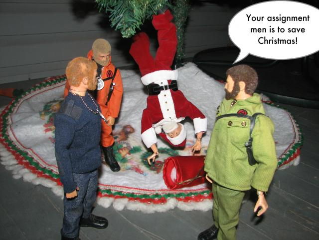 Pictures of your Action Men or Joe's in the Christmas spirit. - Page 3 2_zps612