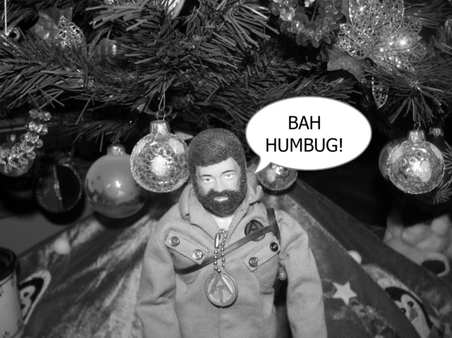Pictures of your Action Men or Joe's in the Christmas spirit. - Page 2 Fotofl11
