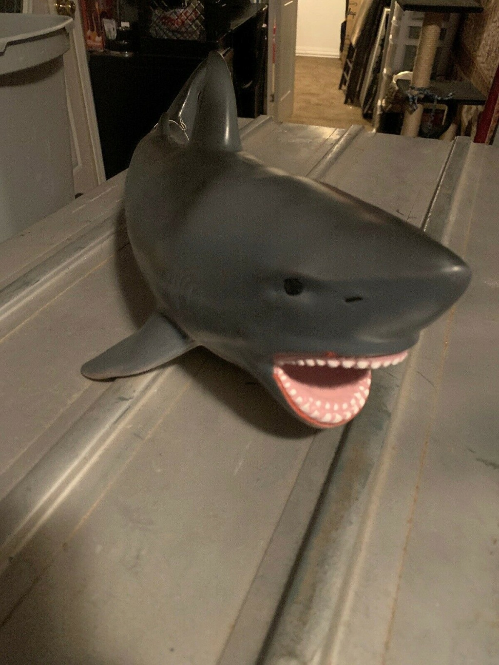 Trying to win this shark auction... S-l16021