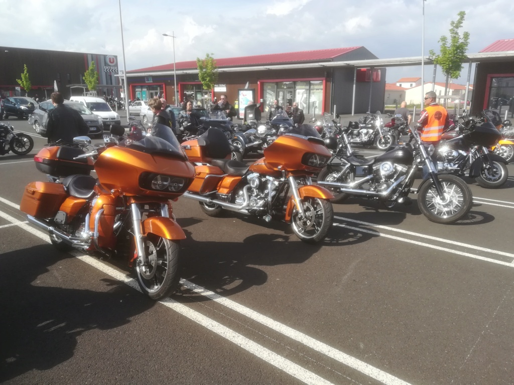 Un Road Glide 2015 pour vos futures sorties post Covid. Img_2554