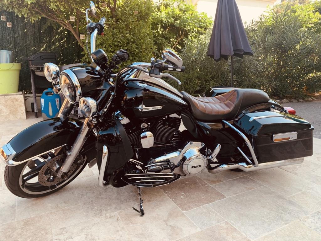 Road King uniquement, combien sur Passion-Harley  - Page 25 5a232b10