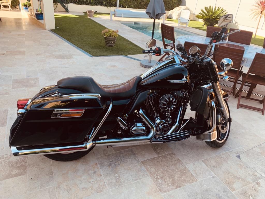 Road King uniquement, combien sur Passion-Harley  - Page 20 Af88a110