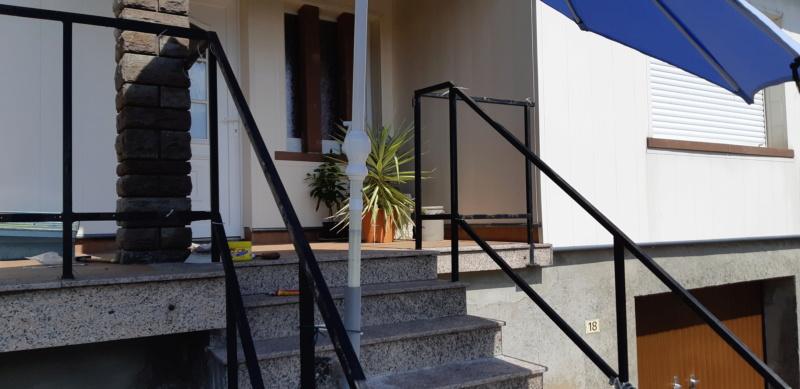 ENCORE UN TRUC A REFAIRE QUI A SOUFFERT AVEC LE TEMPS (balustrades du balcon) - Page 3 20190829