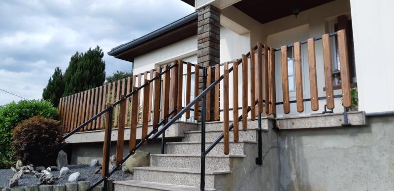 ENCORE UN TRUC A REFAIRE QUI A SOUFFERT AVEC LE TEMPS (balustrades du balcon) - Page 3 20190854