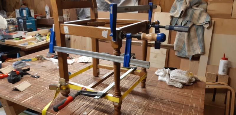 RÉPARATION TABLE ET CHAISES en bois... 20200222