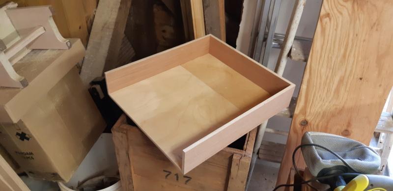 FABRICATION D UN BOX à TIROIRS  20200457