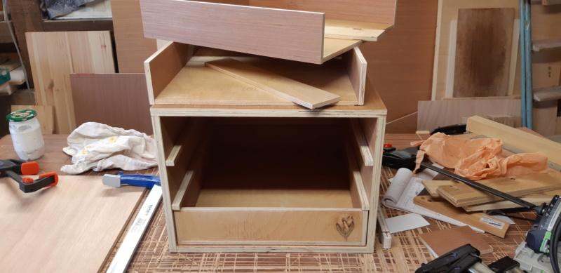 FABRICATION D UN BOX à TIROIRS  20200484