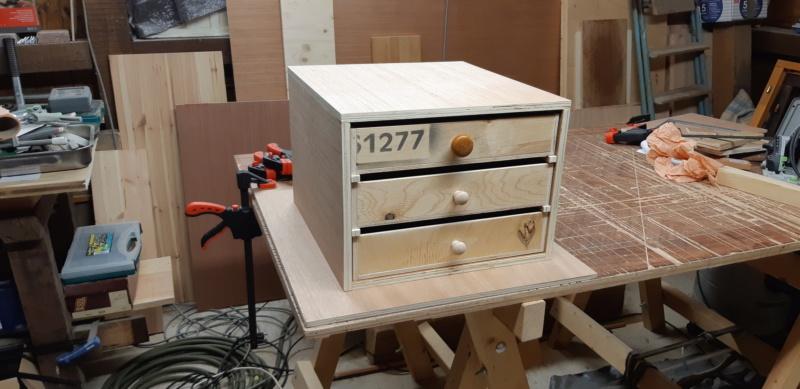 FABRICATION D UN BOX à TIROIRS  20200488