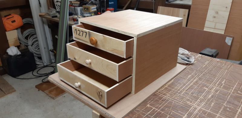 FABRICATION D UN BOX à TIROIRS  20200490