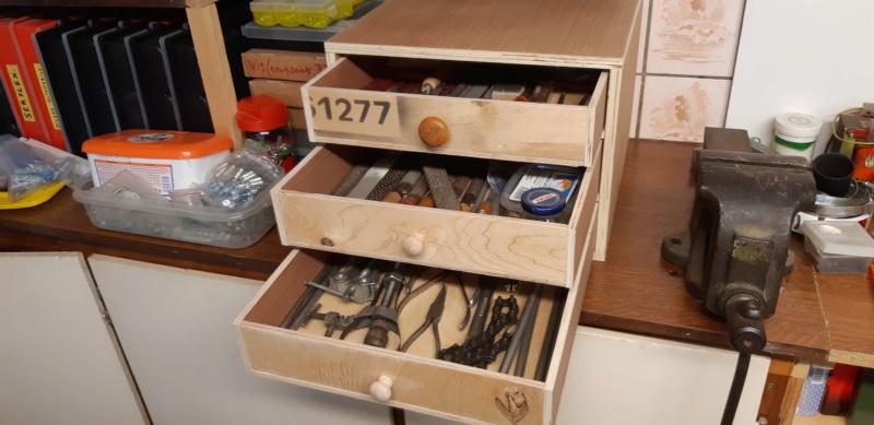 FABRICATION D UN BOX à TIROIRS  20200498