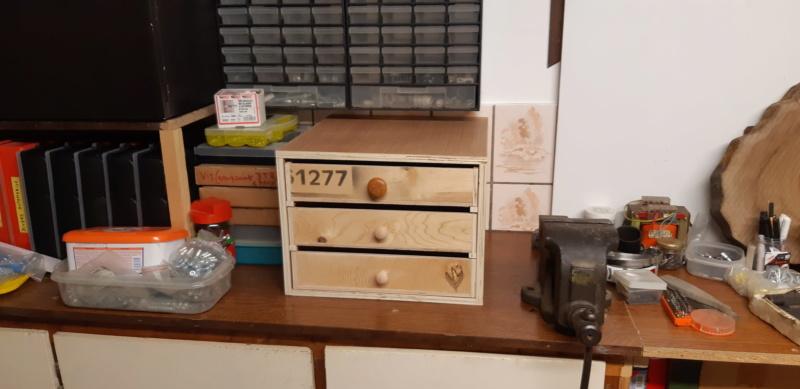 FABRICATION D UN BOX à TIROIRS  20200499