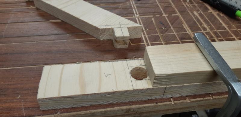 FABRICATION d'une équerre,en bois... 20200954