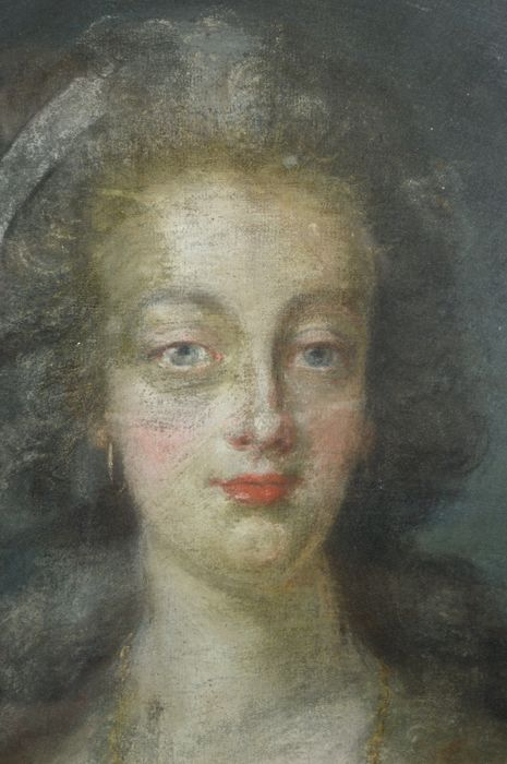 Portrait de la Reine Marie-Antoinette par Joseph Boze - Page 4 C8d49710
