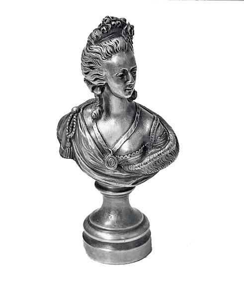 A vendre: bustes Marie Antoinette - Page 10 L2769d10