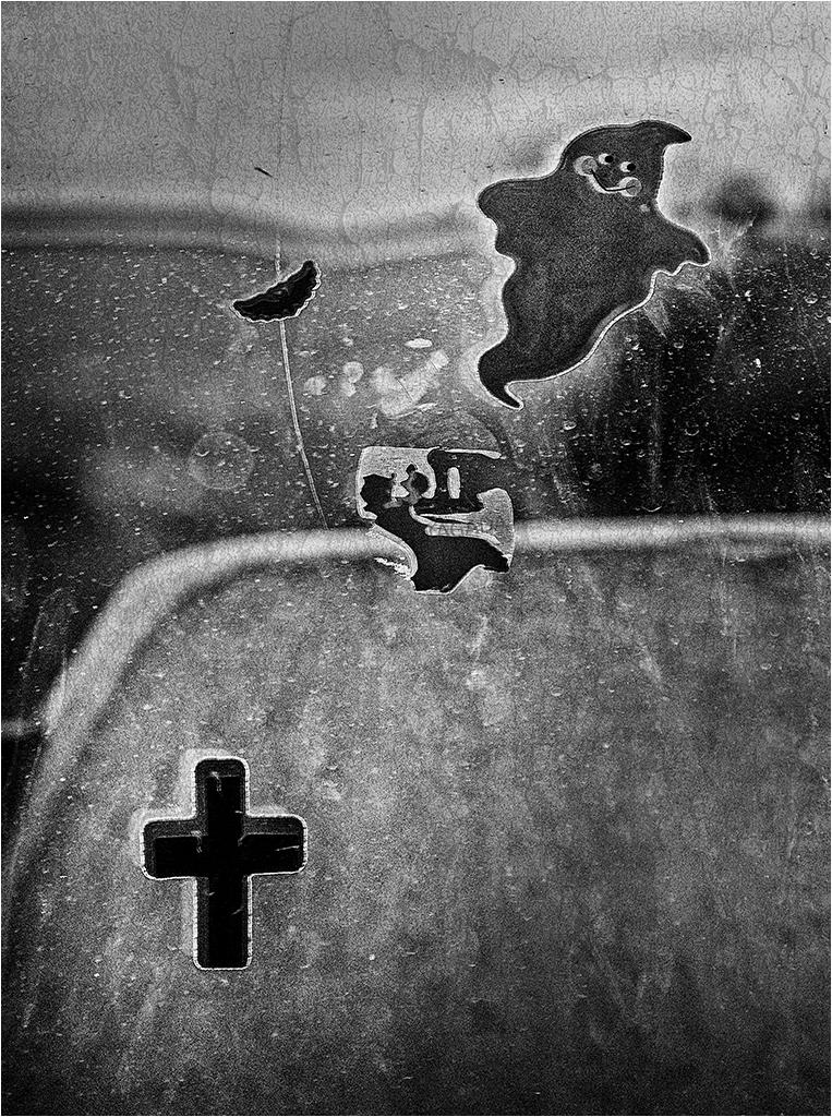 """"""" le petit fantôme ..."""" _1360310"""