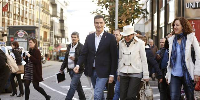 [GOBIERNO] Pedro Sánchez visita a las víctimas del incendio de Alicante 11325610