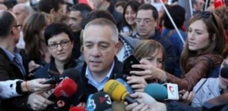 """[PSC] Pere Navarro: """" Tenemos un Govern que ha hecho de los recortes públicos su diversión"""" 5f9b1b10"""