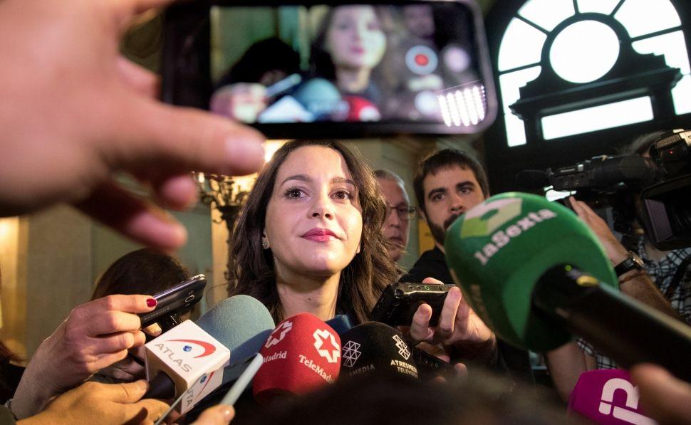 """[Cs] Inés Arrimadas: """"la democracia no consiste en poner lazos amarillos, sino en el respeto a la diversidad"""" 63652910"""