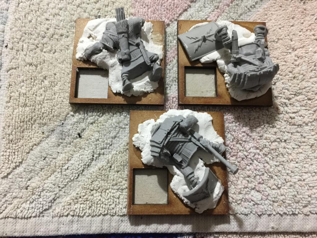 [CHERCHE] cadavres peaux vertes Marque12