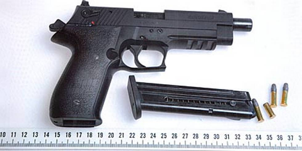 Photo's of mass murderer's weapons - Page 5 Pekkag10