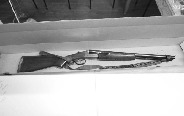 Photo's of mass murderer's weapons - Page 7 Yountv11