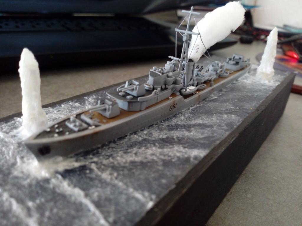 """HMS Kipling 1/700 """"sous les bombes"""" Img_2085"""