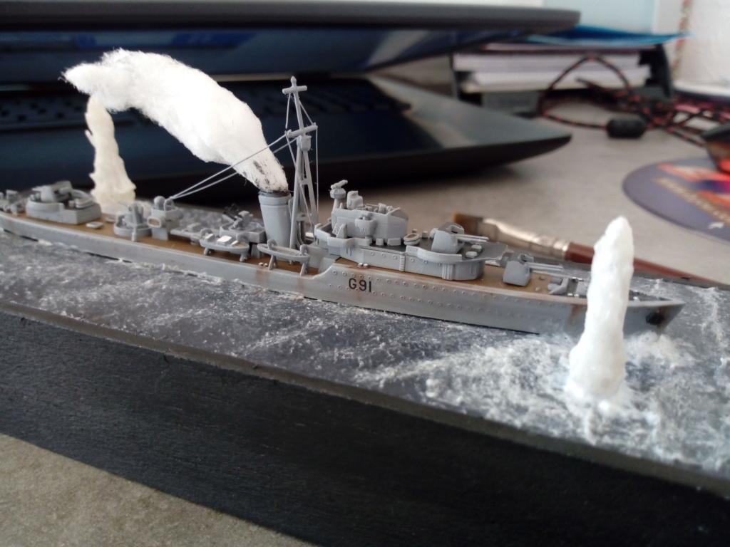 """HMS Kipling 1/700 """"sous les bombes"""" Img_2086"""