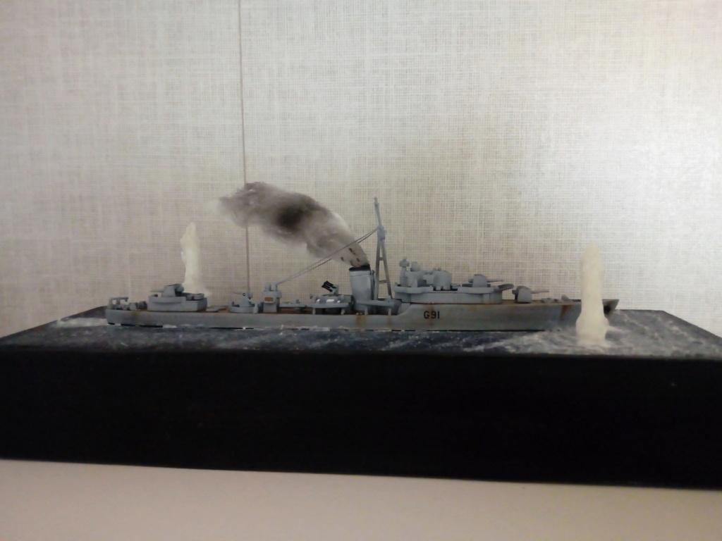 """HMS Kipling 1/700 """"sous les bombes"""" Img_2087"""