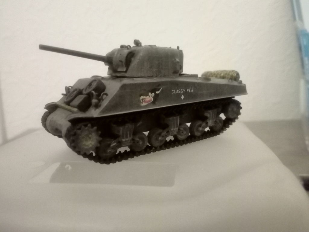 Sherman M4A3 1/72 Trumpeter Img_2147