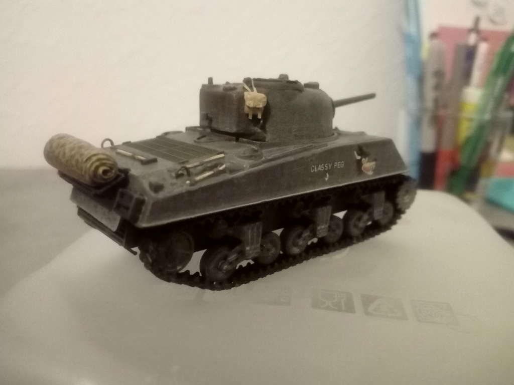 Sherman M4A3 1/72 Trumpeter Img_2148