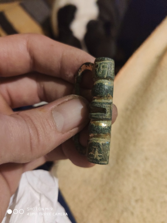 Hebilla sobredorada, siglo XIII Img_2076