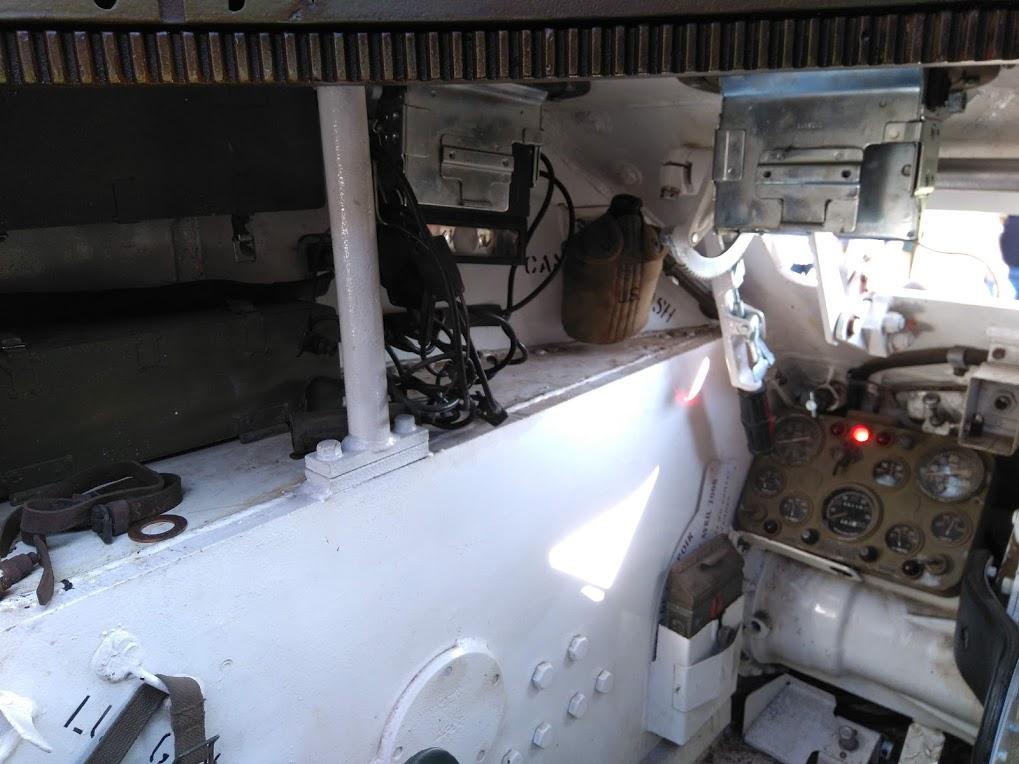 interieur d'un HMC M8 Intzor10