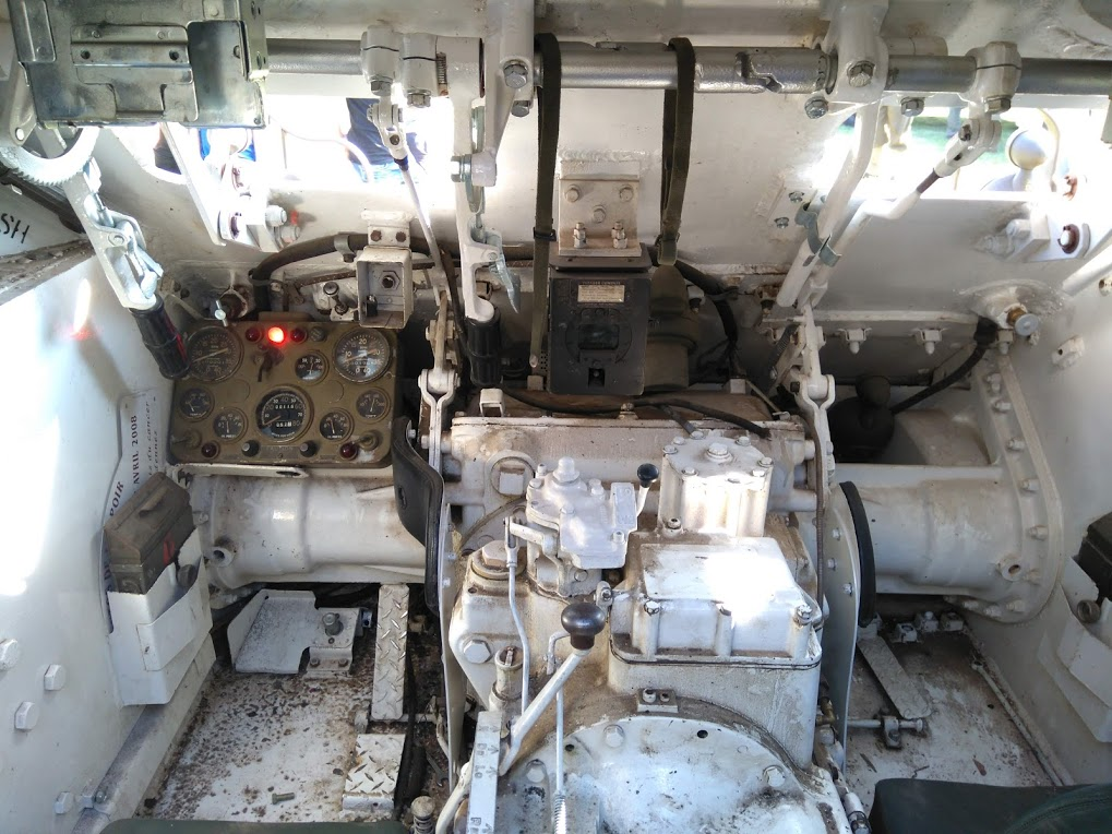 interieur d'un HMC M8 Intzor11