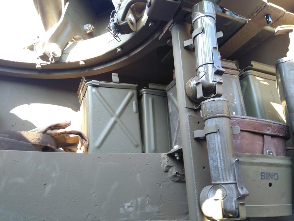 interieur d'un HMC M8 Intzor18