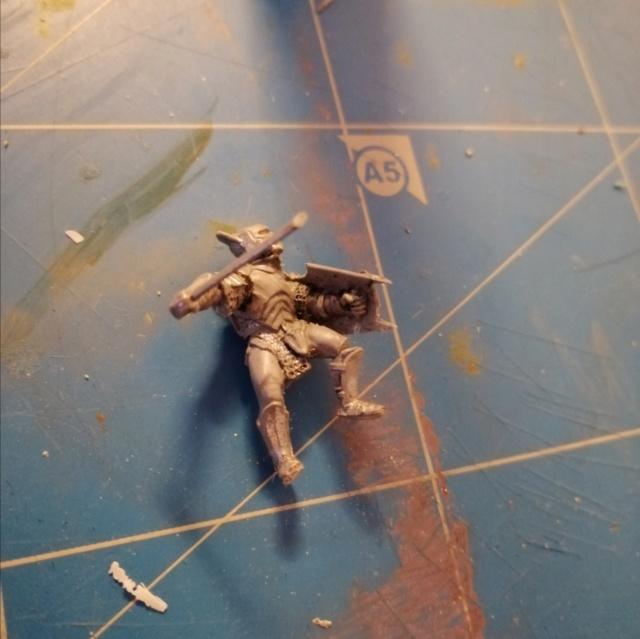 [Les combattants du Gouffre] Uruk-hai surplombant le Mur Img_2010