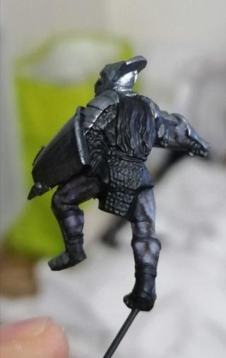 [Les combattants du Gouffre] Uruk-hai surplombant le Mur Screen12