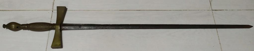 épée indéterminée Img_2025