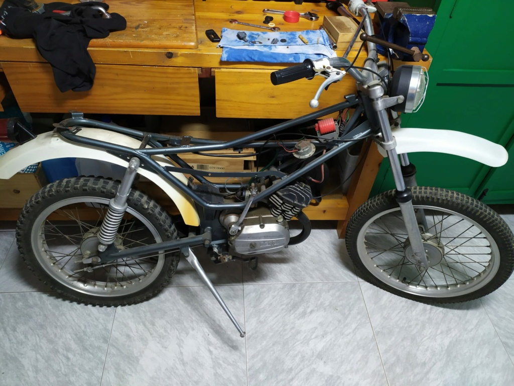 Derbi Cross 50V4 - Restauración de depósito Whatsa11