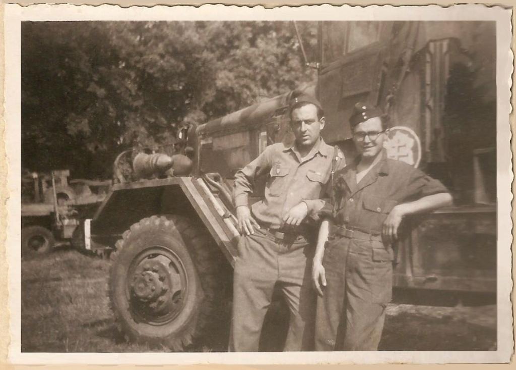 partage mémoire André LECLERC Sgt-MdL ?  Groupe G.T.R  2°DB - Page 2 1945-011